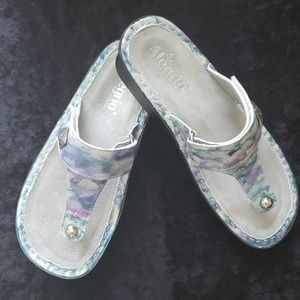 Algeria Carina Thong Sandal